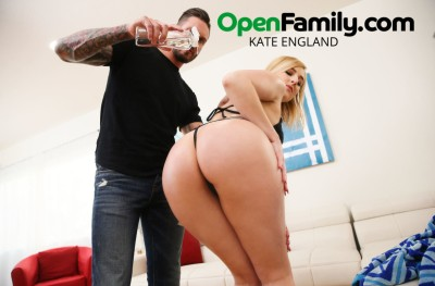 Kate England & Quintin James in Open Family