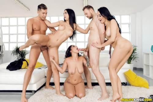 Our Euro Sex Trip – Francys Belle, Julia De Lucia, Aysha, Erik Everhard & Alberto Blanco (2018)
