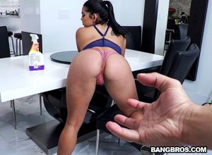Juicy Thick Latina Cleaned My House and Cock | Julz Gotti, Bruno Dickemz | 2018