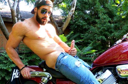 Motor Bike Cum | Zack Lemec