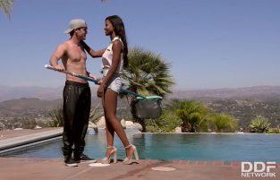 Ultra Exotic Fuck: Pool Boy Bangs Busty Ebony Newcomer – Jezabel Vessir, Rob Carpenter (2017)