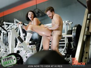 Getting Low On Leg Day | Valentina Jewels, Kyle Mason