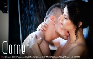 Corner – Melody, Max Dyor (SexArt / 2017)